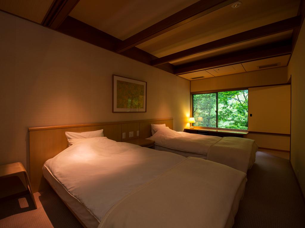 アップグレードの客室は全て離れ客室+ベッド付です。ワンランク上のご滞在をお楽しみください。