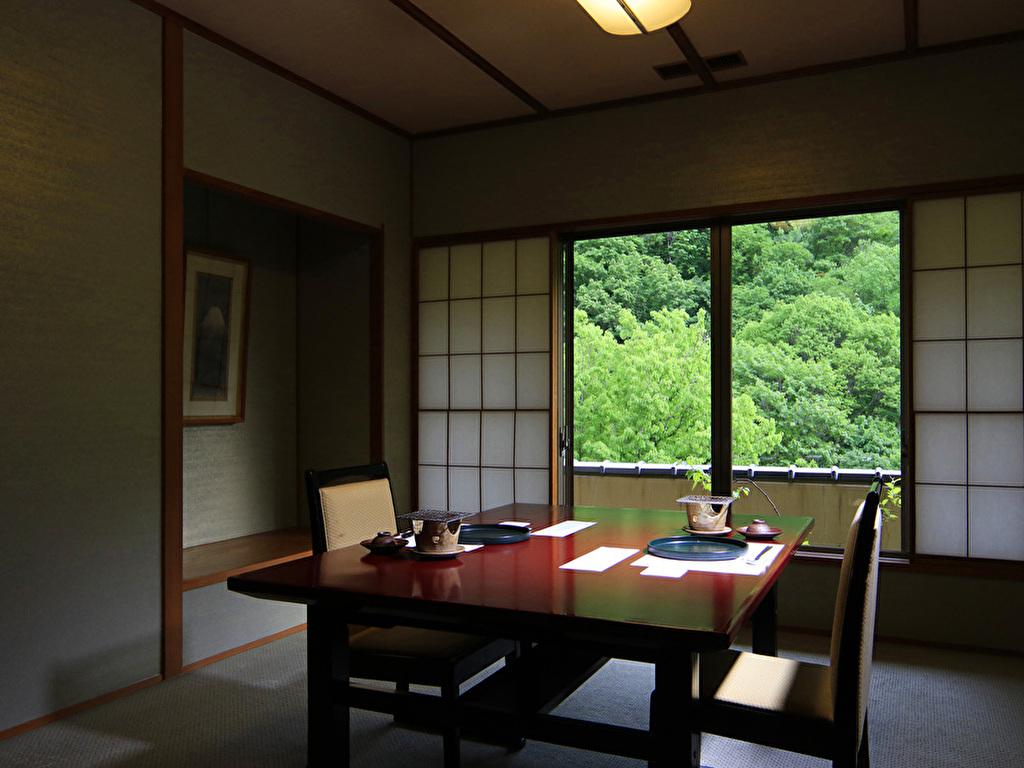 【個室食事処】プライベートな空間で、四季を愛でながらお料理をご堪能ください。