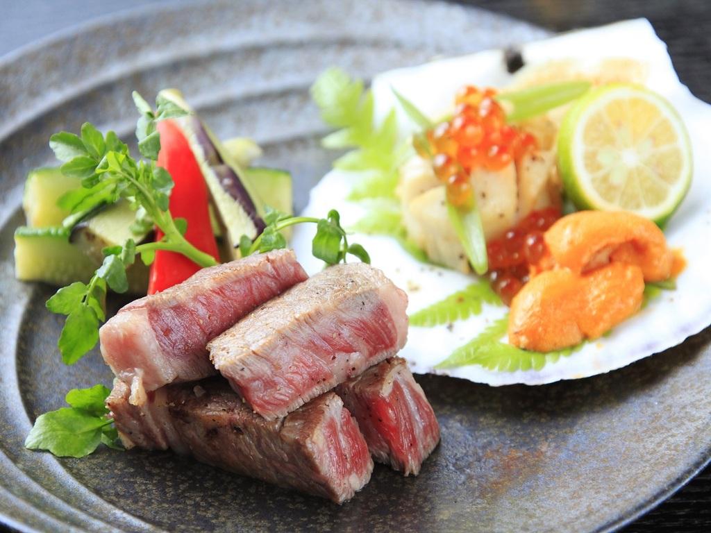 メインはお肉も海鮮の鉄板焼きをご用意(一例)