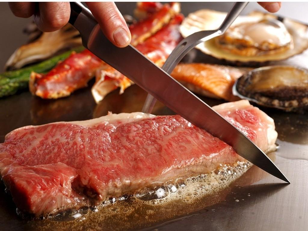 タラバ蟹と道産和牛サーロインコース