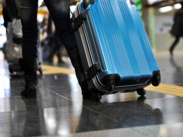 荷物は宅配便で送れば手ぶらでらくらく♪(イメージ)