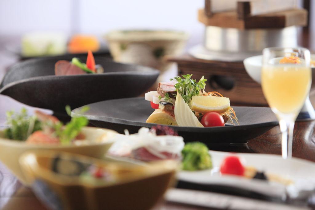 季節の旬食材を使用した和食会席