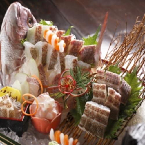 ご長寿祝いプランには、鯛の姿造りをご用意