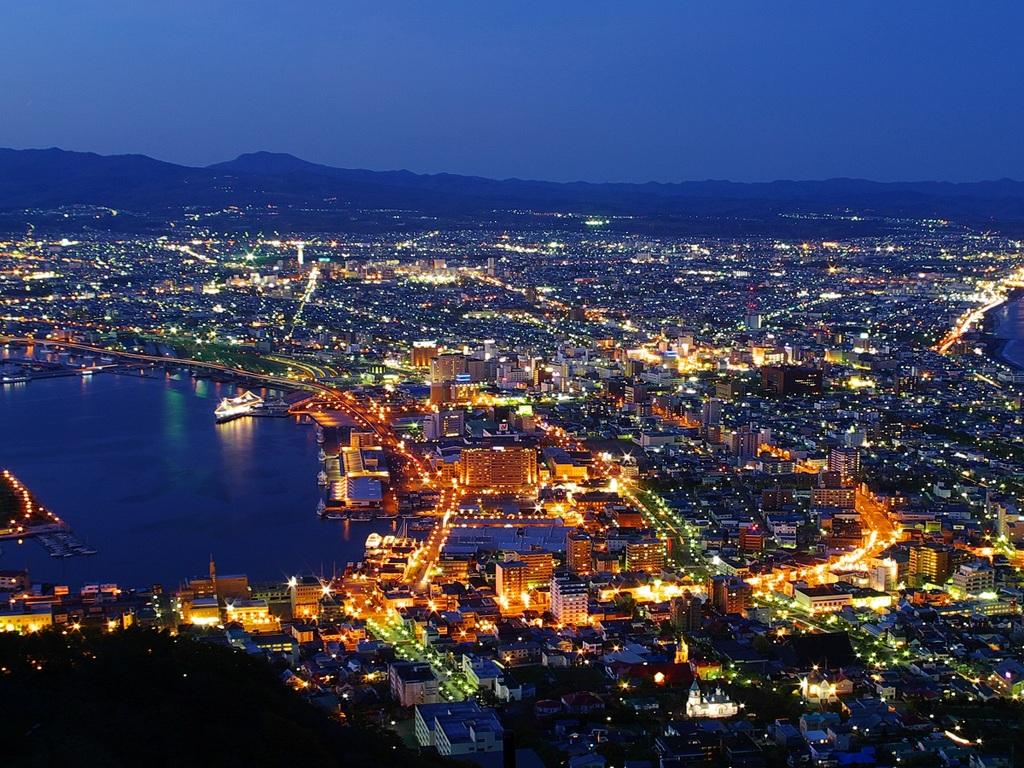 ■100慢ドルの夜景で有名な函館山