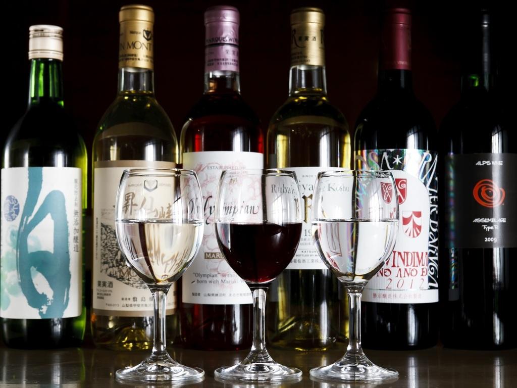 【プラン限定特典】ご夕食時当館おすすめワインを飲み比べ