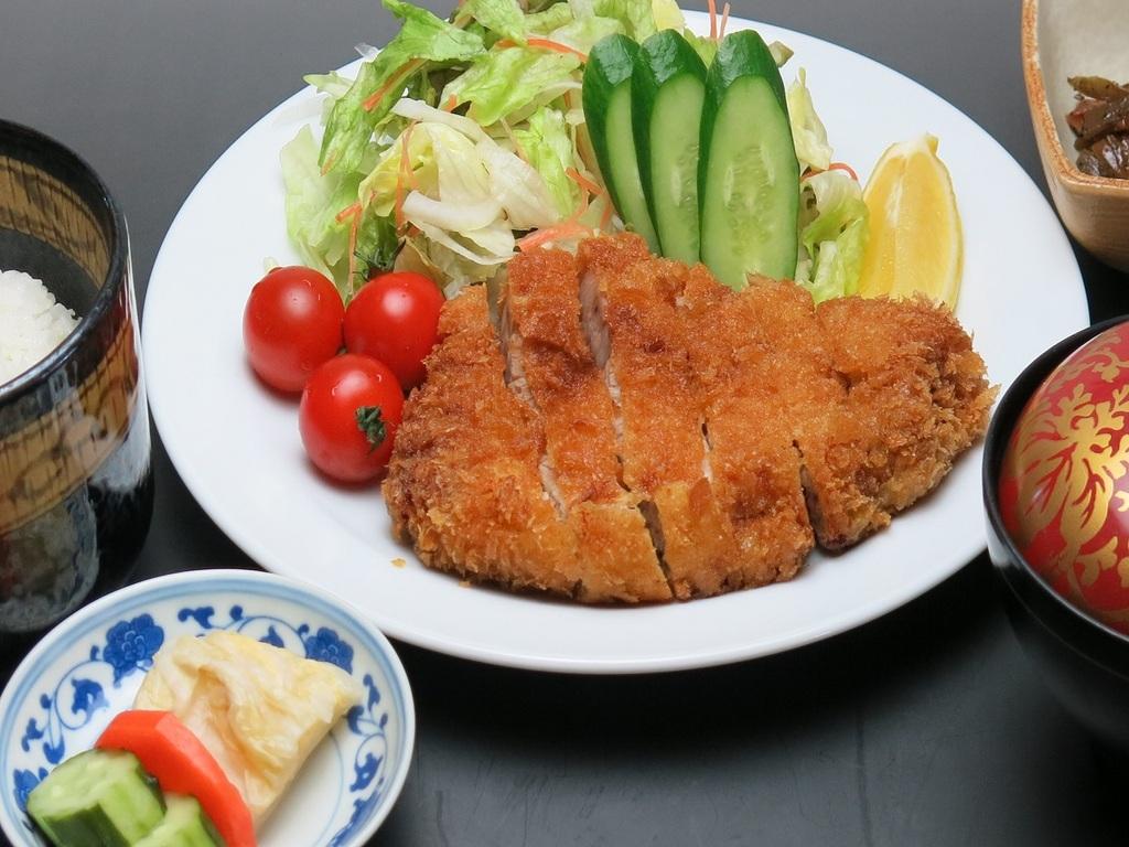 【選べるランチセット】キメが細かく柔らかい富士桜ポークとんかつ定食