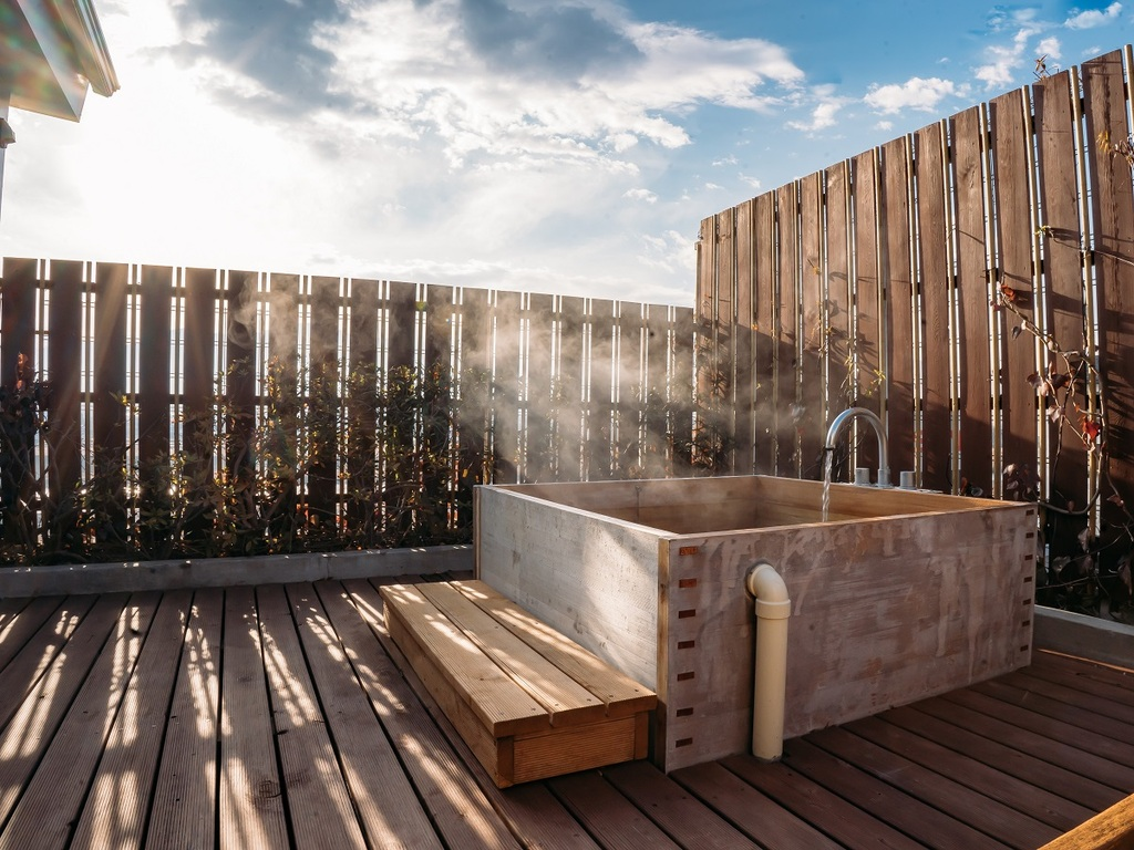 【特典】離れの貸切露天風呂「檜の湯」が1回無料でご利用いただけます