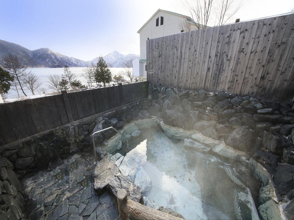 源泉かけ流しの美肌温泉、連泊でその効能をご堪能ください
