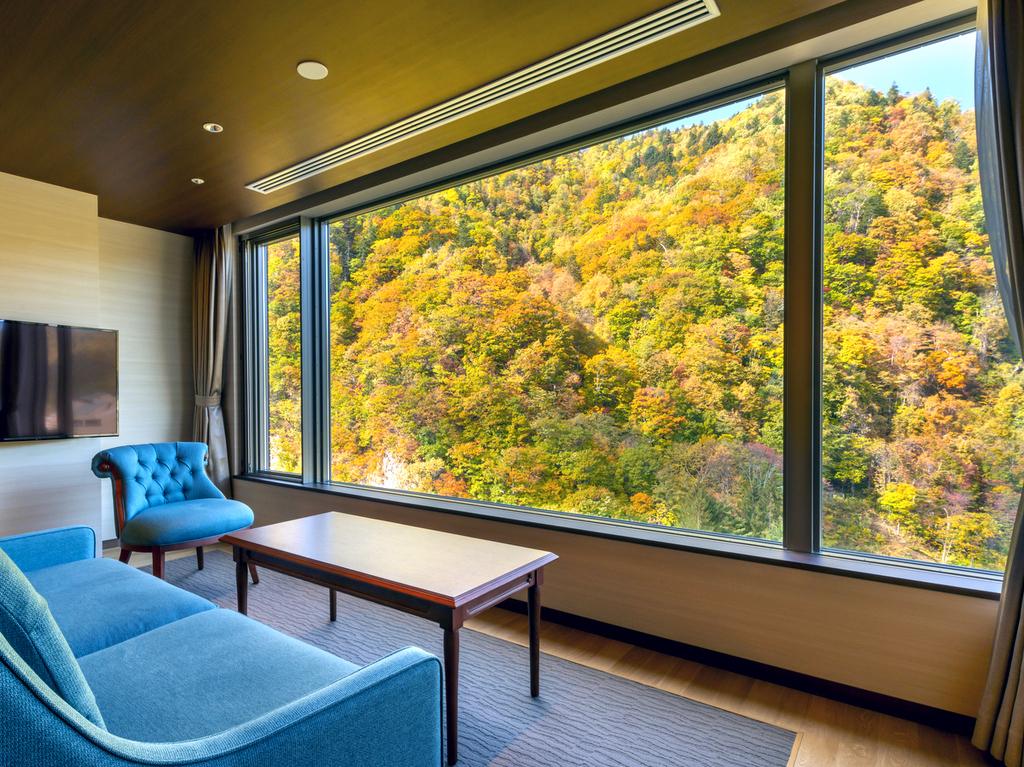 全客室渓谷側、お部屋が紅葉ビューの特等席※写真は紅葉イメージです