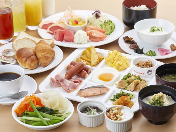 【朝食ビュッフェイメージ】 新鮮野菜を始め旬の食材を使用した、和・洋様々なメニューをご用意いたします。