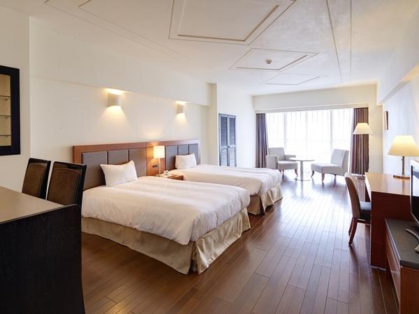 【スーペリアツイン/洋室】 広いお部屋にセミダブルベッド2台の洋室