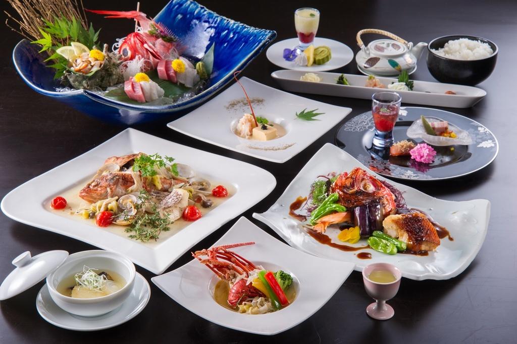 利島コースのお食事の一例