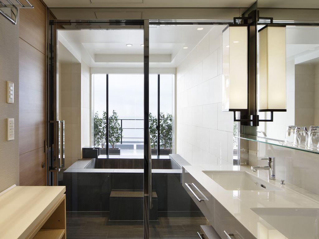 スイートルームの半露天温泉で「神戸みなと温泉」を満喫いただけます