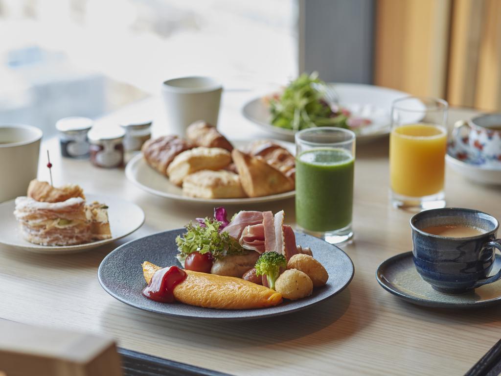 朝食(盛り付け一例)
