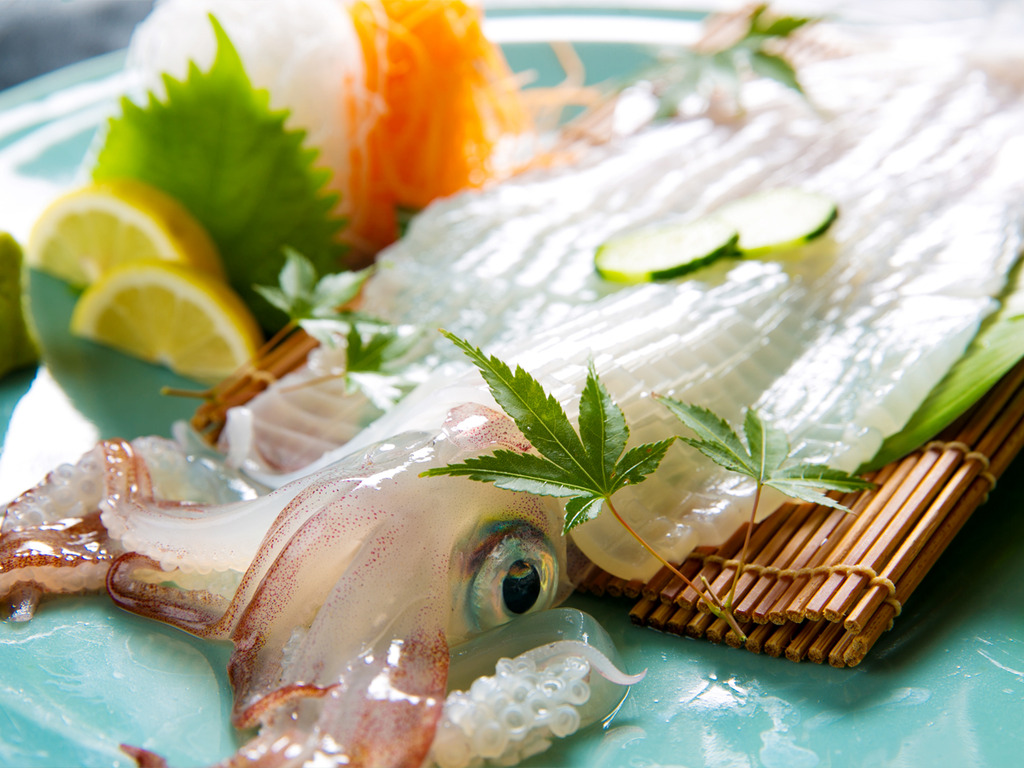 ◆呼子イカの活き造り◆その旨みは新鮮な証――