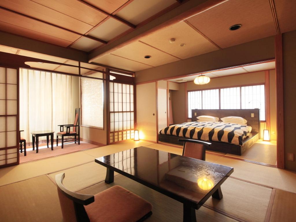【客室】最上階露天風呂は広々とした空間です