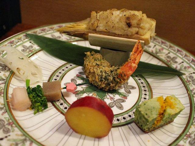 季節の会席料理(夕食一例)