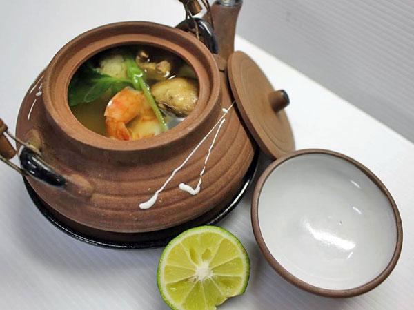 土瓶蒸し(秋のお料理一例)