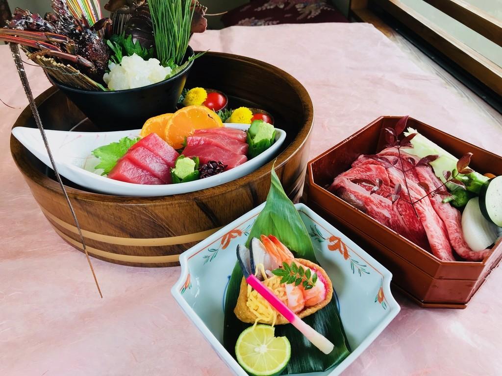 【春の味覚会席】お造り ちらしいなり寿司 熊野牛鉄板焼き