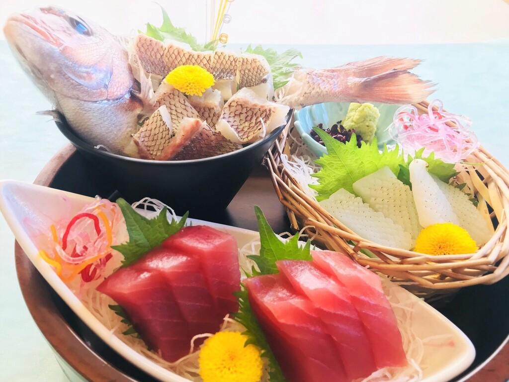 【黒潮会席】【熊野灘会席】お造り(鯛の姿造り まぐろ イカ)お料理一例 写真は2人前です