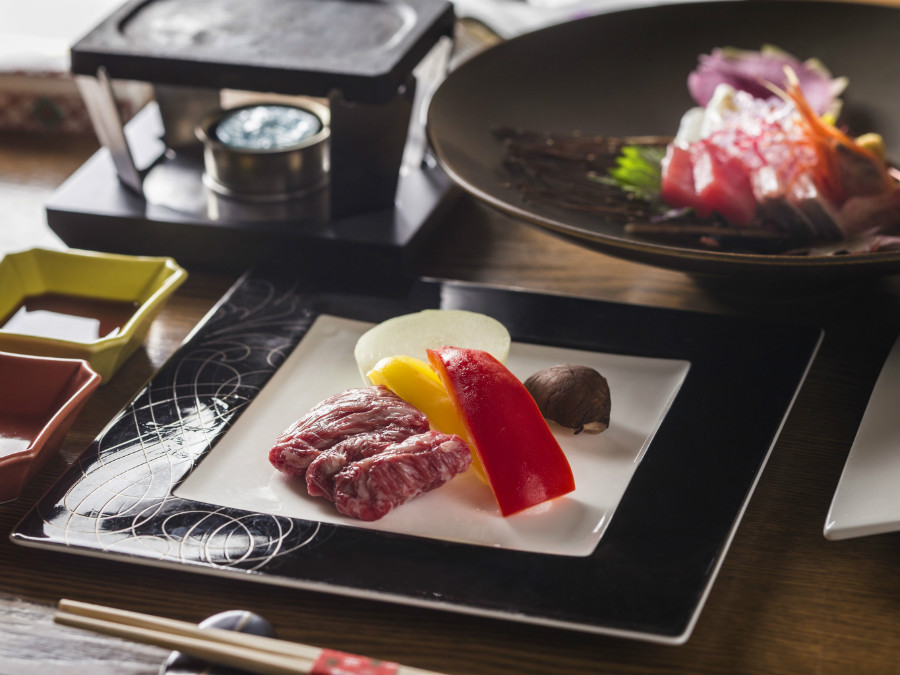 【蔵・準懐石一例】個室でゆっくりとお食事をお楽しみ下さい。