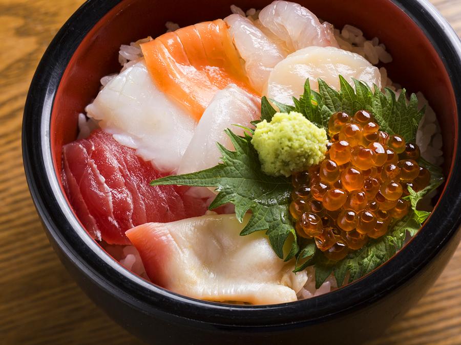 海鮮丼 一例