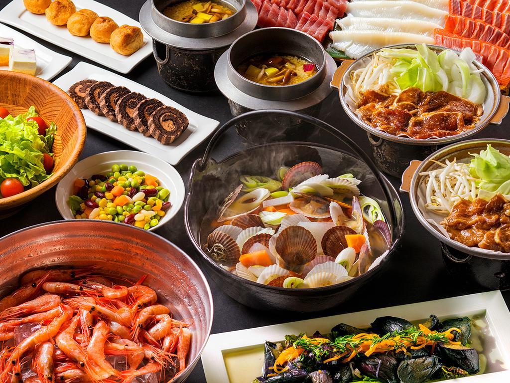 【夕食バイキング一例】和洋中バイキングで新鮮な山海の幸をたっぷりとお楽しみ下さい。