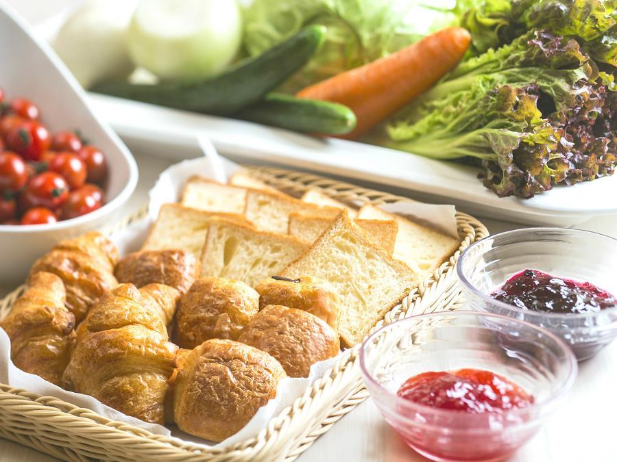 朝食バイキング/サクサクの焼きたてクロワッサンが人気です♪