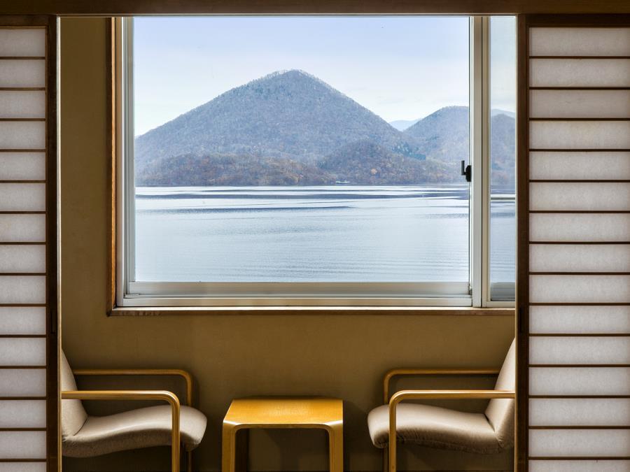 洞爺湖の眺めを楽しめる湖側の客室です。