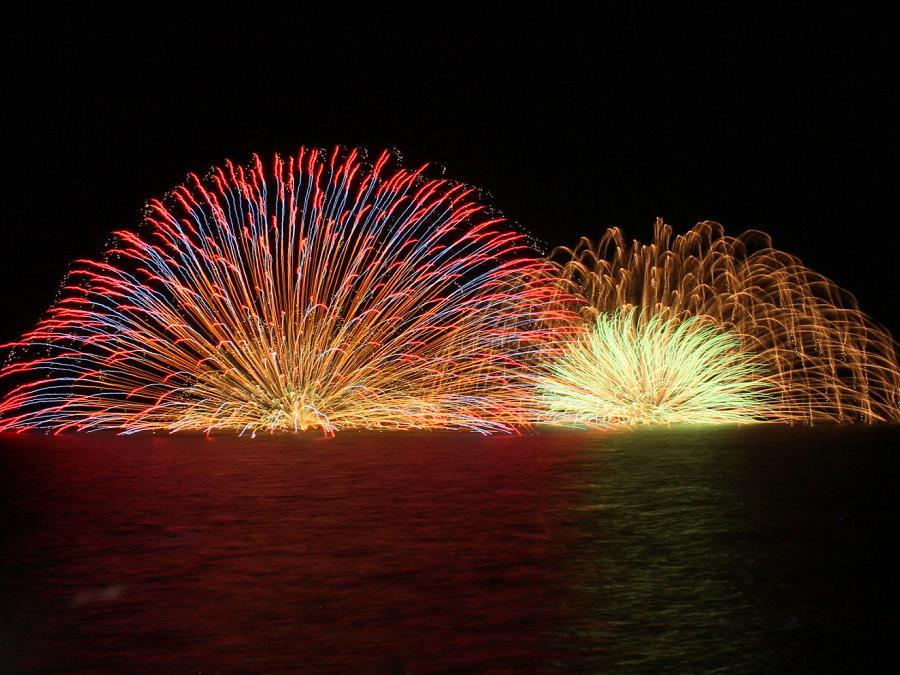 洞爺湖ロングラン花火大会/湖畔亭では、ロビーからの眺めがベスト!