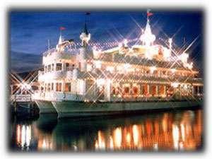 花火観賞船に乗って間近で大迫力の花火を眺めよう