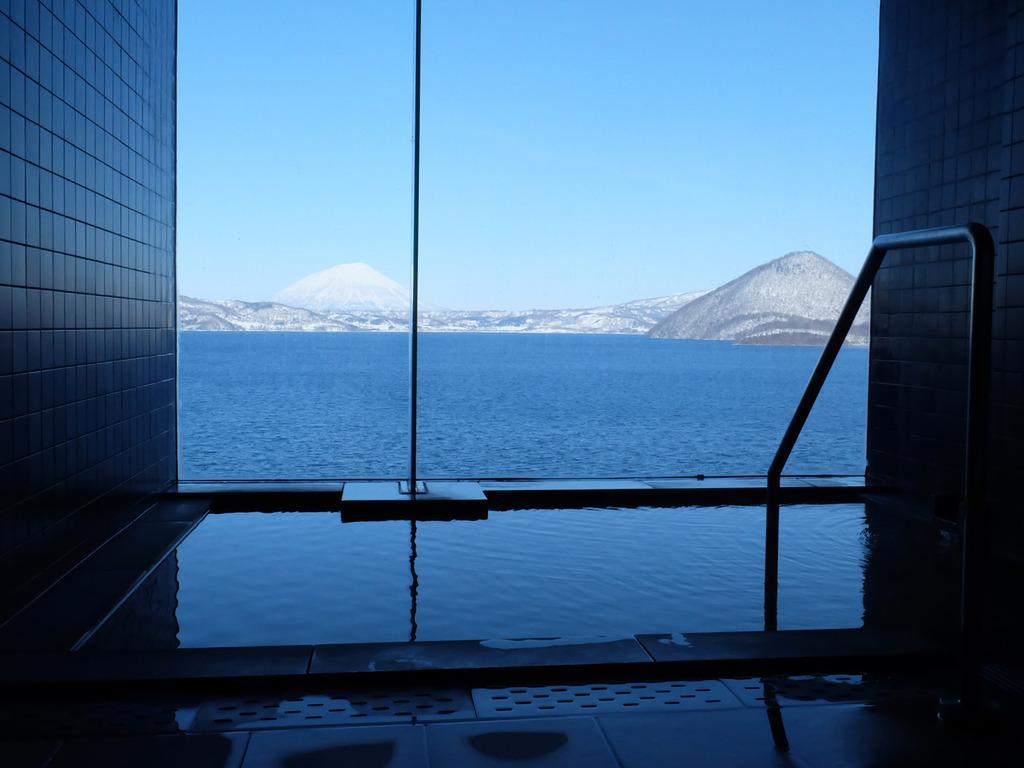 【貸切風呂】最上階から冬の絶景とかけ流しの天然温泉をひとりじめに。
