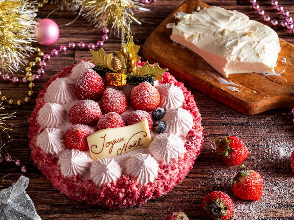 【プラン特典】ベイクドチーズとレアチーズを2層に仕上げた、苺のチーズケーキ。
