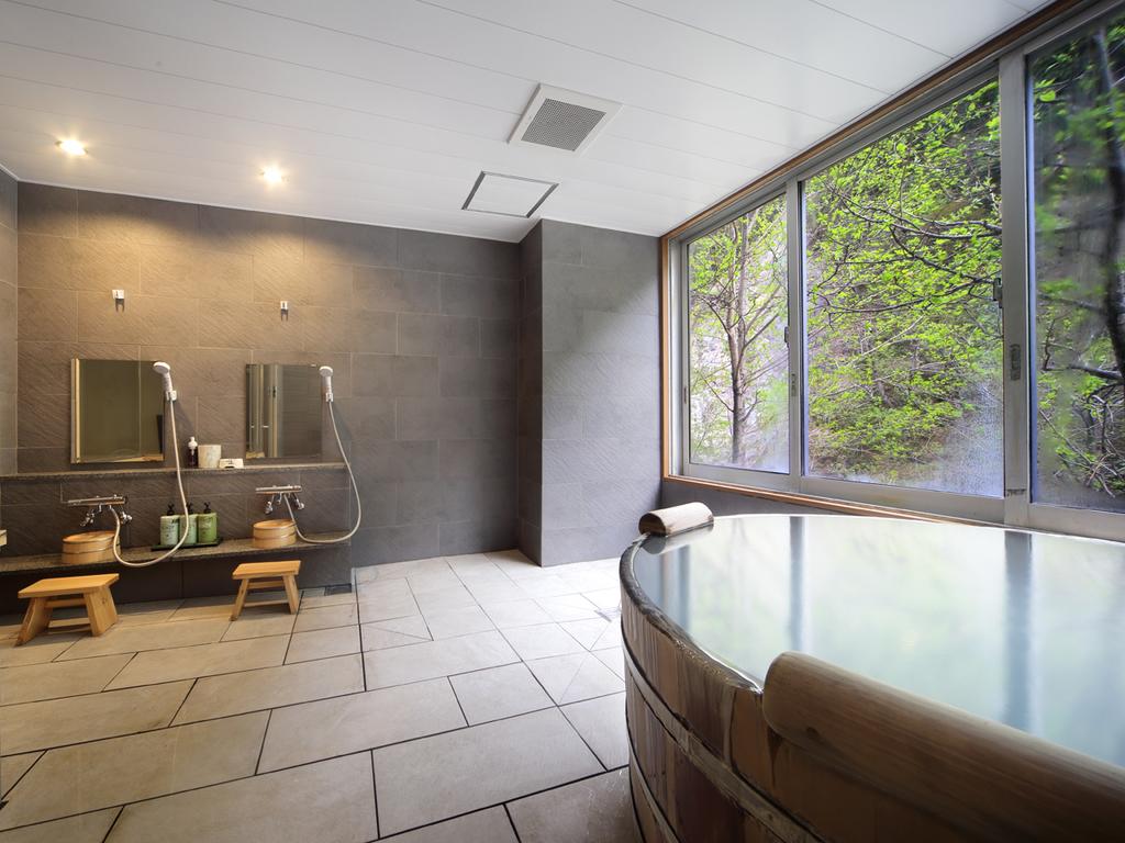 【姉妹館・朝陽リゾートホテルの貸切風呂】プライベートな湯あみをどうぞ。湯めぐりバスで移動は楽々