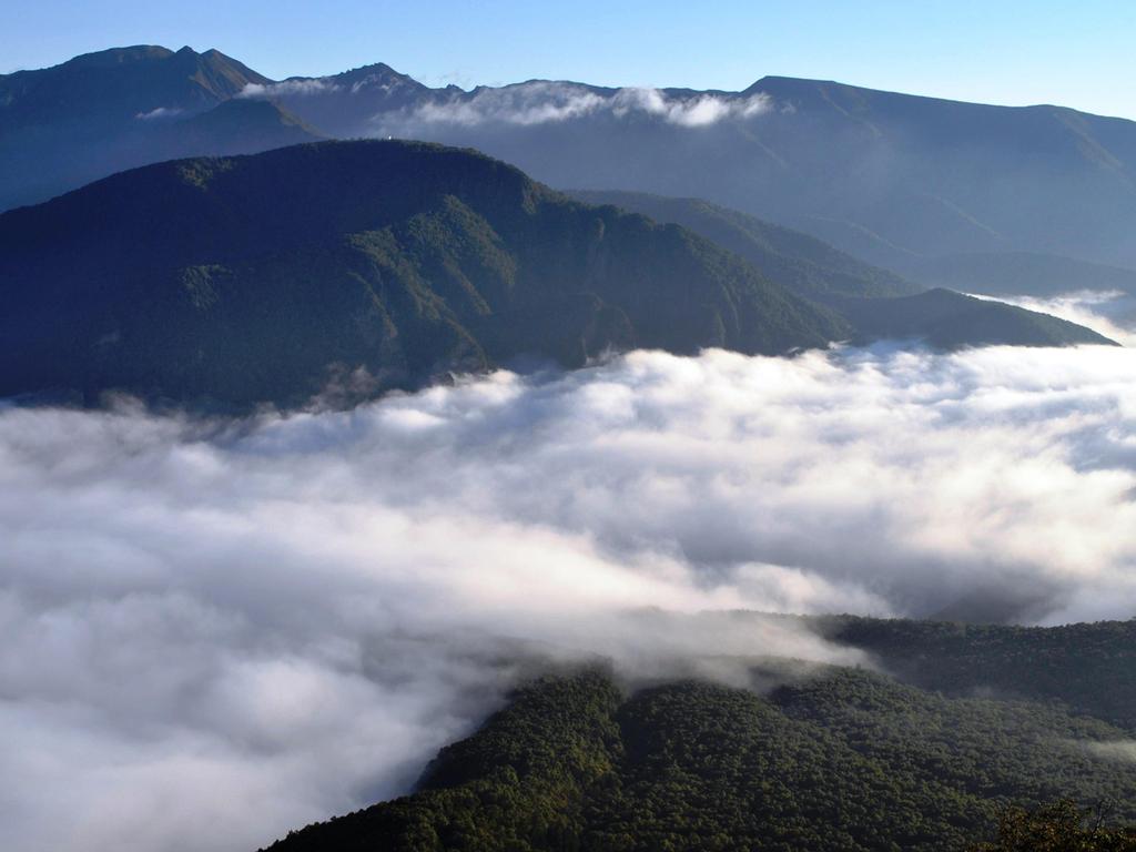 ちょっと早起きして、層雲峡の大自然を楽しみましょう<早朝のロープウエイ5合目駅より>
