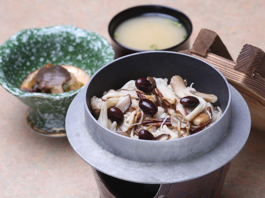 【愛別きのこ飯】オール上川産の食材にこだわったご当地ランチ