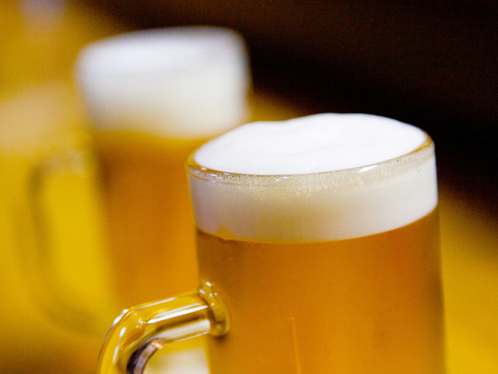 ビールで乾杯!美味しい料理とともにお好きなドリンクをお好きなだけどうぞ♪
