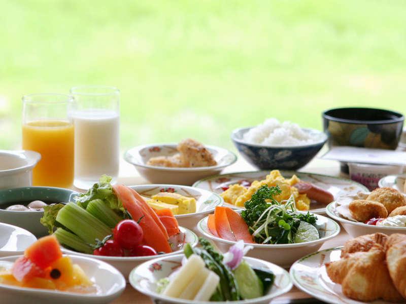【朝食バイキング】朝の食事にふさわしい、新鮮な料理をご用意しております(イメージ)