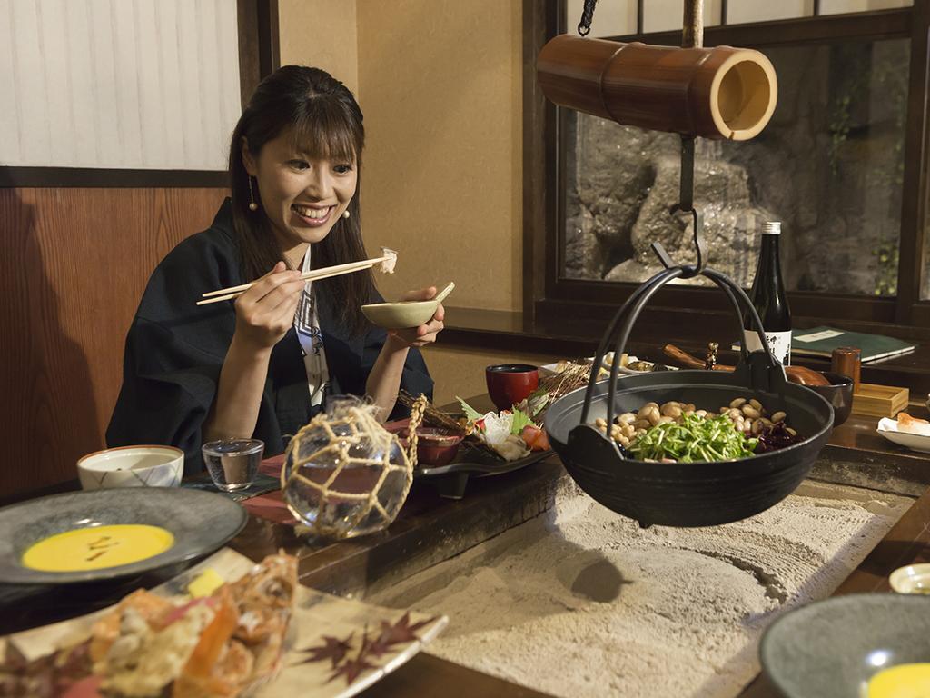 道産食材をふんだんに使い、囲炉裏で味わう創作懐石料理にテンションが上がります