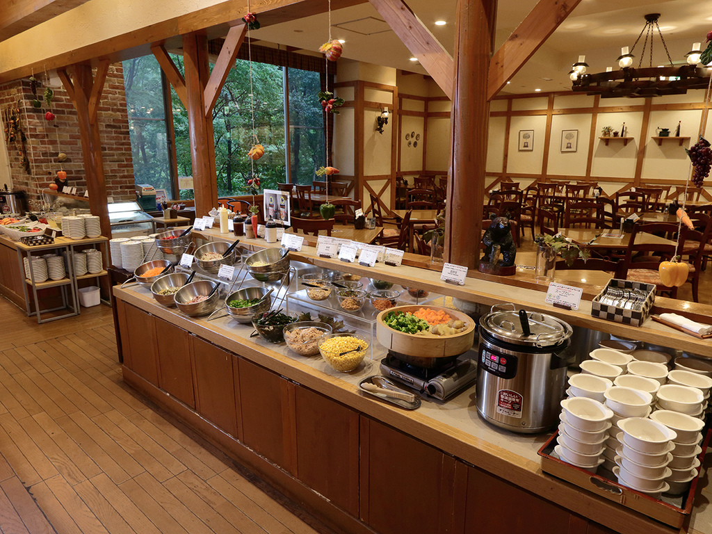 【バイキング】地産地消の食材にこだわった料理をご用意