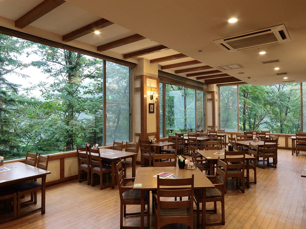【レストラン 雷鳥】道産食材をふんだんにした料理を味わえるバイキング会場