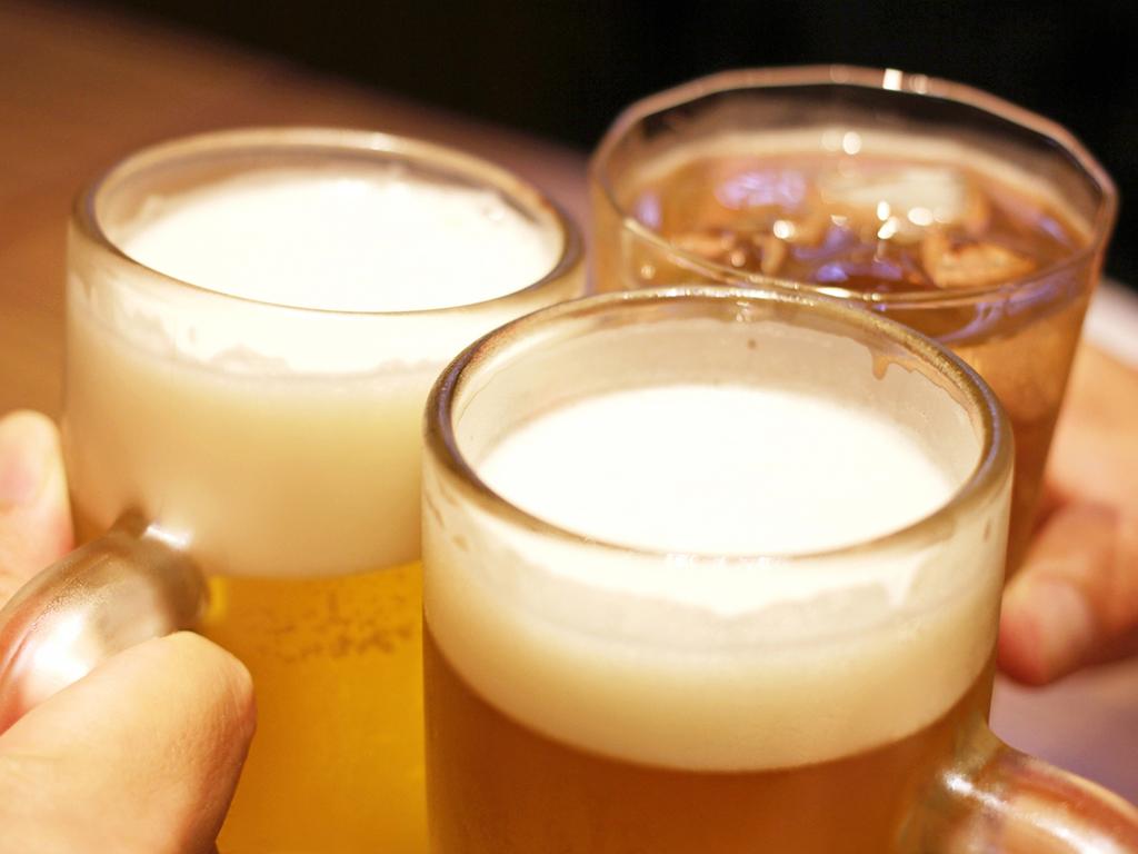 生ビールや焼酎、サワーなど、お好きなドリンクで乾杯!