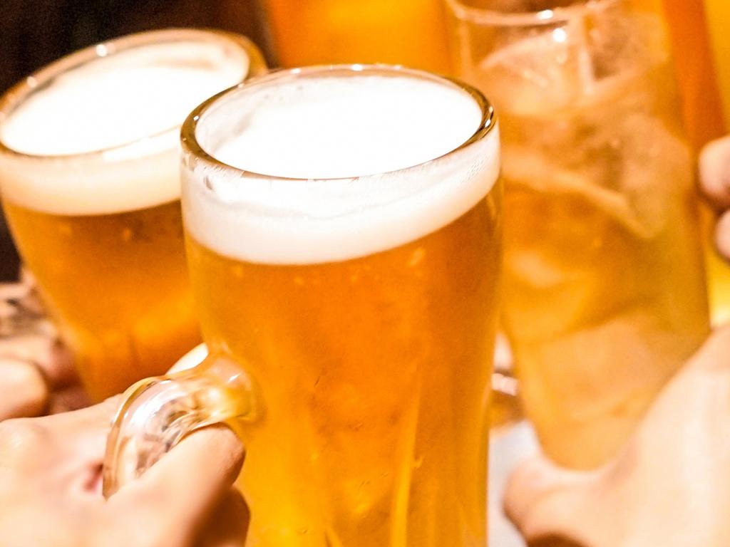 生ビールやサワー、焼酎など、お好きなドリンクで乾杯!