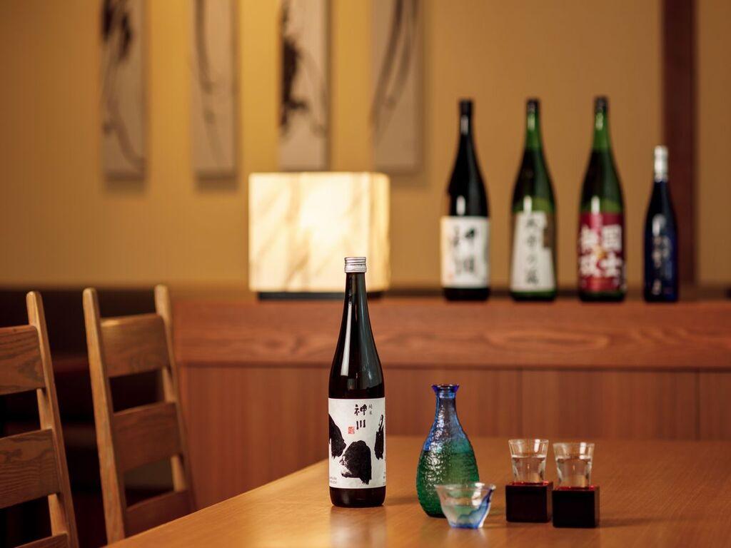 【山の料理茶屋 早紅葉】和食にぴったりな日本酒も各種ご用意。人気は地元の地酒『上川』です。