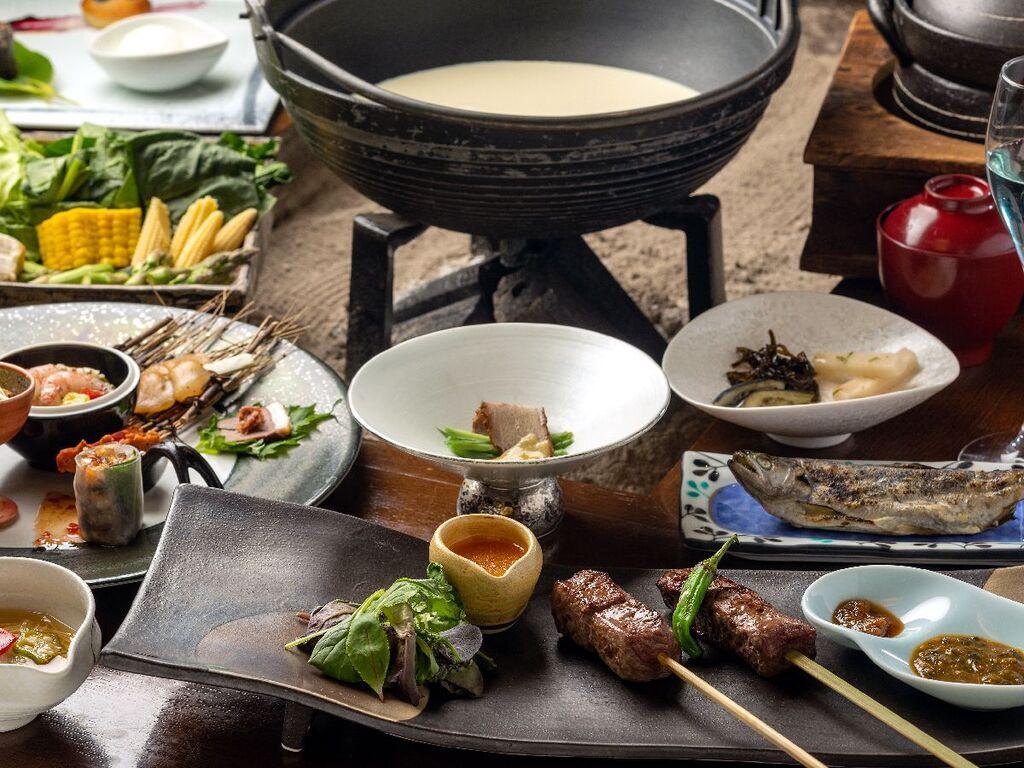ヤマメの塩焼きやコーン鍋を堪能できる本懐石(2021年夏のお献立)
