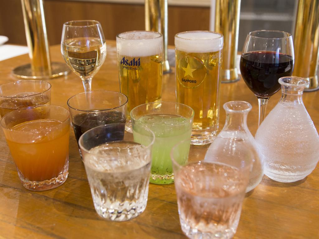 飲み放題ではビール・サワー・日本酒などをご用意