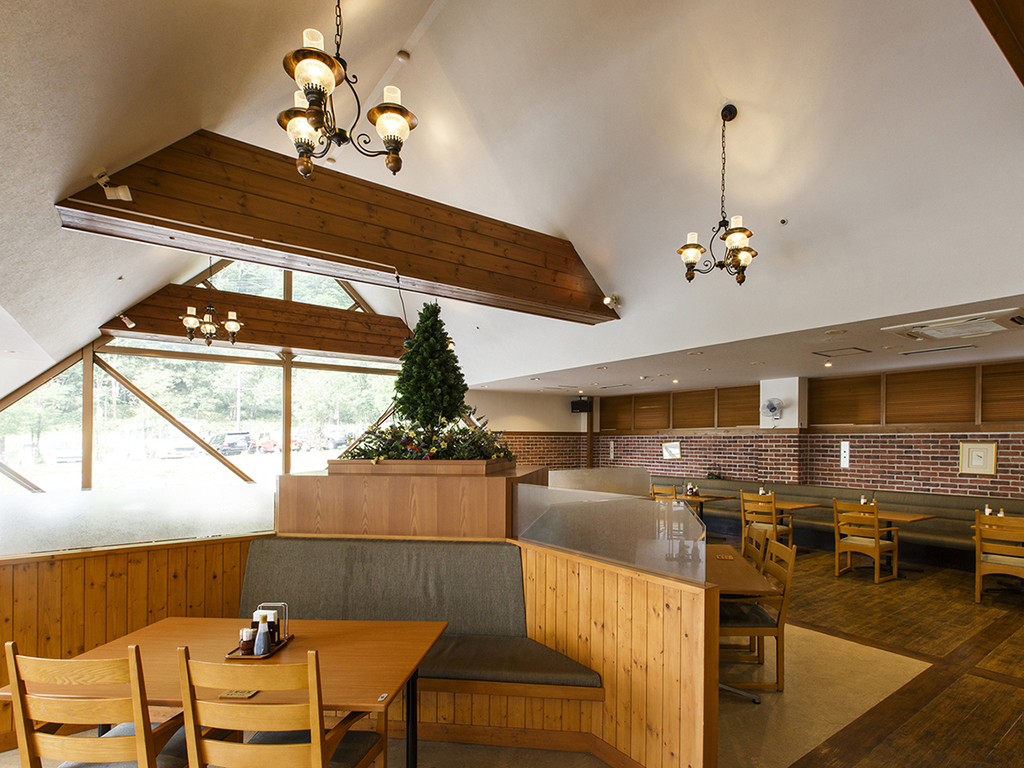 【KURODAKE】北海道の山小屋風カジュアル・リゾート・ブッフェ