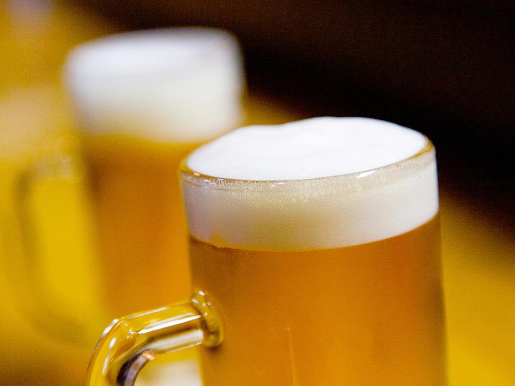 ビールで乾杯!ワイン、サワーなど、お好きなドリンク飲み放題!