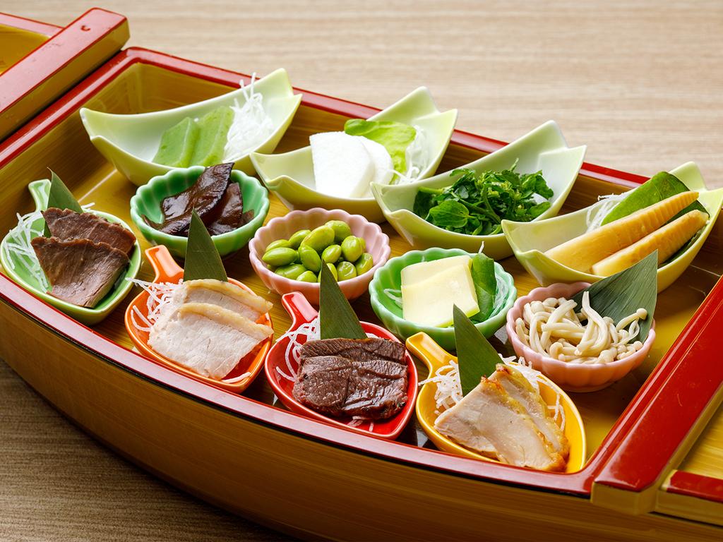 【KURODAKE】<「山のお刺身」大集合!>ローストビーフから長いも・ウド・チーズまで!