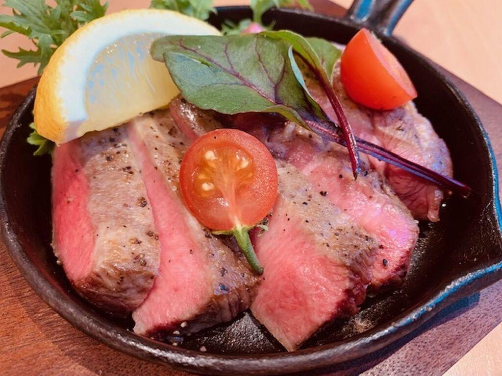 【土曜日】厚切り牛タンステーキ ※イメージ